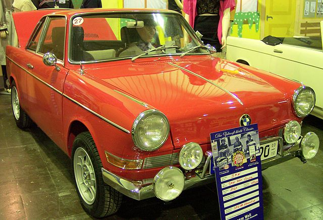 BMW 700 Coupe red vr TCE