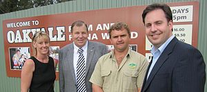 Steven Ciobo - Ciobo visits the Oakvale Farm tourist attraction in Port Stephens, New South Wales with local member Bob Baldwin.