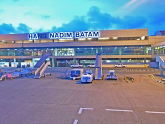 Hang Nadim Airport - Image: Bandara Internasional Hang Nadim in Night