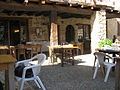 Bassoues - terrasse restaurant.JPG