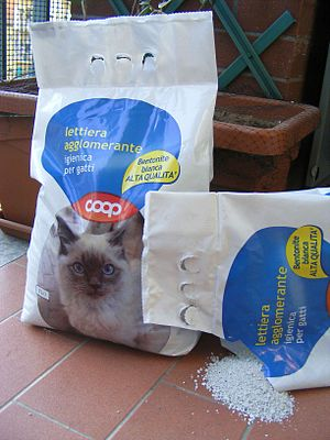 Bentonite - Bentonite used as cat litter