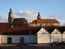 Bertholdsburg & Johanniskirche.JPG