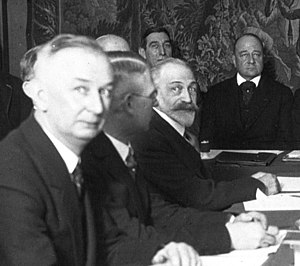 Bibescu with Jacques-Louis Dumesnil, World Aviation Congress, 1932 (Agence Mondial).jpg