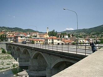 Borgo Val di Taro - Image: Borgotaro vue du pont de San Rocco