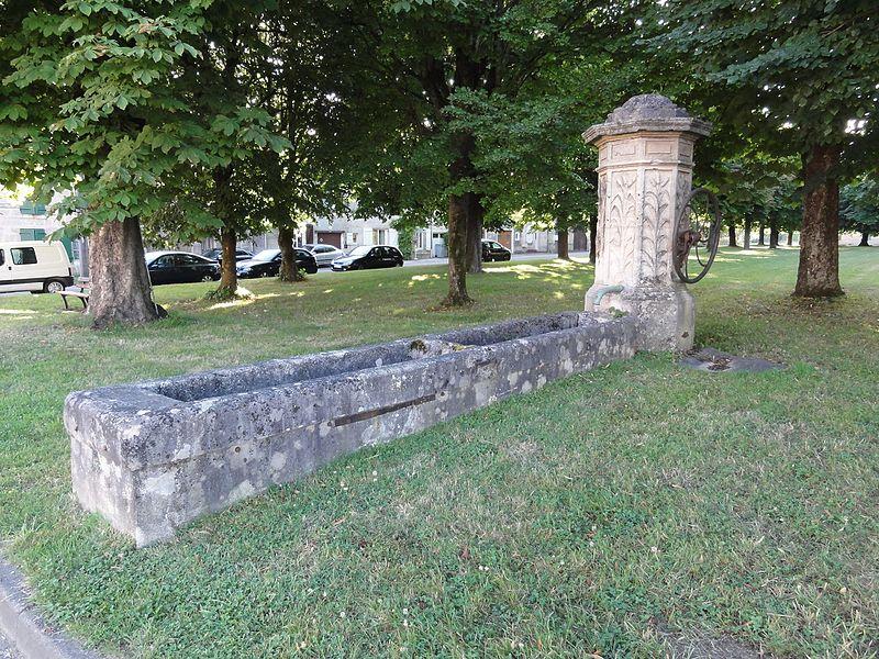 Brillon-en-Barrois (Meuse) pompe-fontaine