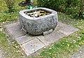 Brunnen4 Nordfriedhof München.jpg