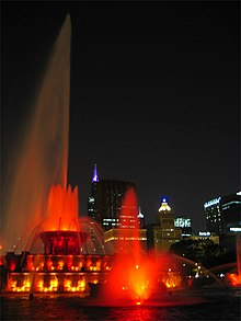 Buckingham Fountain 6.jpg