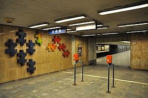 Line 3 (Budapest Metro) - Image: Budapest, metró 3, Újpest Városkapu, 15