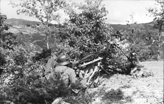 8th Mountain Division (Wehrmacht) - German Mountain troops with MG 42 Italy 1944