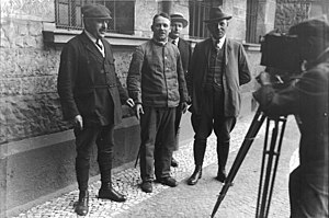 Serial killer - German serial killer Fritz Haarmann with police detectives, November 1924