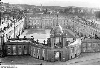 City Palace, Potsdam - Image: Bundesarchiv Bild 170 237, Potsdam, Stadtschloss vom Turm der Nikolaikirche