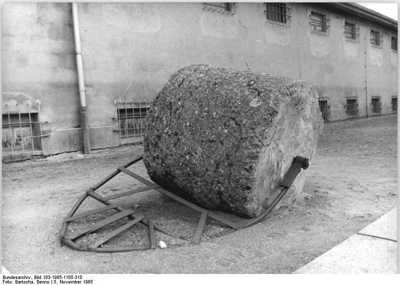 Bundesarchiv Bild 183-1985-1105-310, Mahn- und Gedenkstätte Ravensbrück, Walze