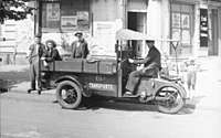 Bundesarchiv Bild 183-V00892, Berlin, Eiltransport.jpg