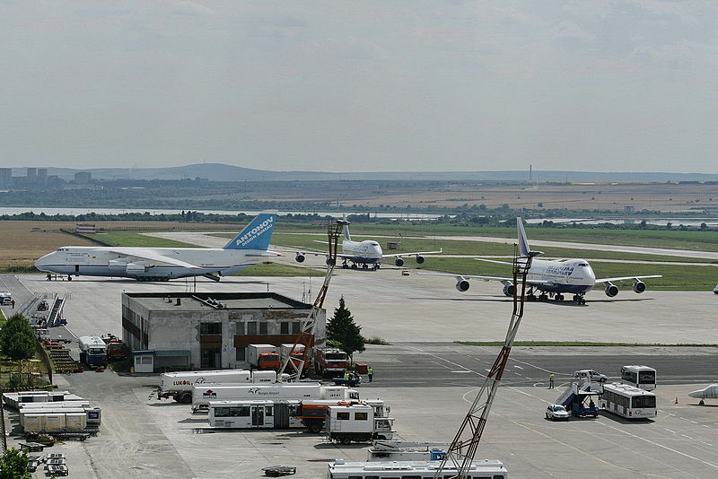 File:Burgas Airport summer traffic.jpg
