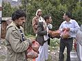 Buying Khat, Yemen (12404246195).jpg