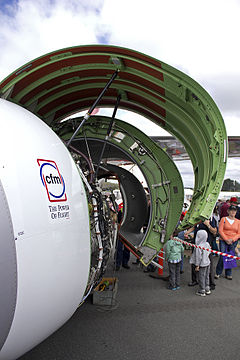 CFM International CFM56-7B26 fitted to Qantas (VH-VZY) Boeing 737-838 (WL) at the Canberra Airport open day (2).jpg