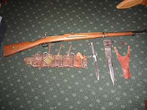 Swedish Mauser - Carl Gustav M96 rifle, bayonet, 2 different bayonet frogs and Swedish Cartridge Belt.