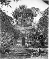 COLLECTIE TROPENMUSEUM De Singosaritempel in de omgeving van Malang Java. TMnr 60009112.jpg