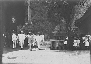 Alexander Willem Frederik Idenburg - Image: COLLECTIE TROPENMUSEUM Gouverneur Generaal A.W.F. Idenburg brengt een bezoek aan de Koloniale Tentoonstelling in Semarang T Mnr 60026650