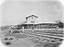 COLLECTIE TROPENMUSEUM Spoorwegstation van Kedoengdjati TMnr 60005225.jpg