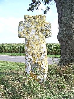 Cambron, Somme,Fr, croix de tuf.jpg