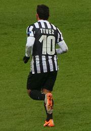 Camiseta de Carlos Tévez con el nombre y el número escrito con la fuente  Eurostile. 63ceaf8df6c8c