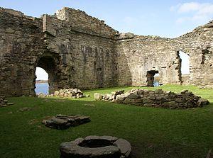 Suibhne mac Duinnshléibhe - Interior of Castle Sween.