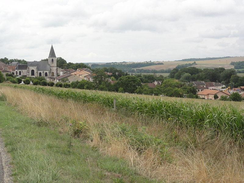 Chalaines (Meuse) vue du village