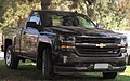 Chevrolet Silverado LT Z71 2016 (34349138045).jpg