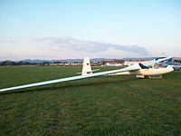 Cirrus18m on airfield.JPG