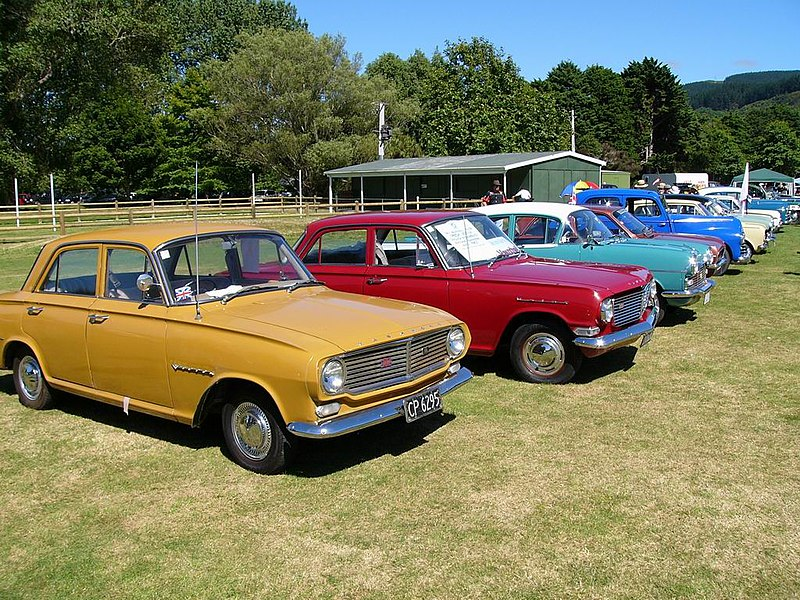 File:Classic Car Day - Trentham - 15 Feb 2009 - Flickr - 111 Emergency (35).jpg