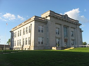 Clay County Courthouse (Illinois) - The south and west sides of the courthouse
