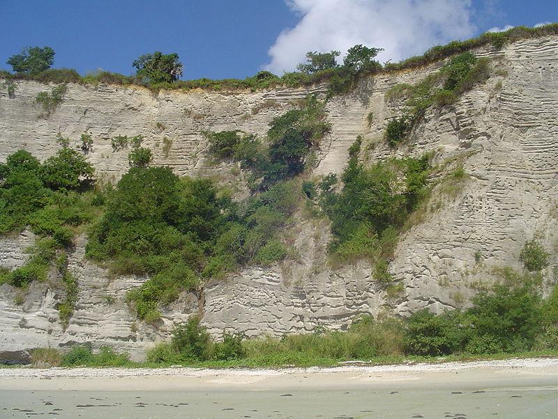 File:Cliff near Papani beach (2850007683).jpg