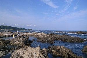 Coast in emi kamogawa 02.jpg