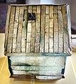 Cofanetto contenente balsamari e manico di flabello, 50 ac ca, dalla tomba 1 di casaglia 02.jpg