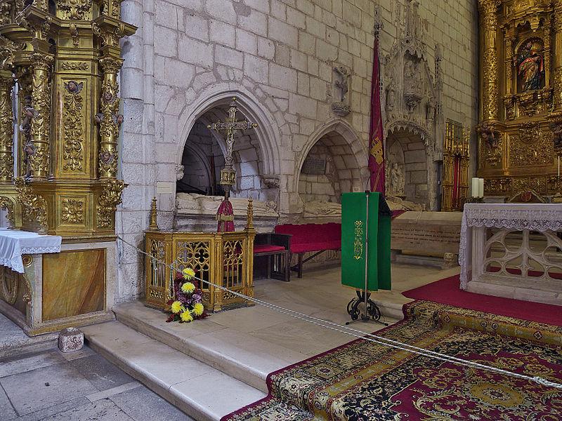 File:Colegiata de San Cosme y San Damián (Covarrubias). Presbiterio.jpg - Wik...
