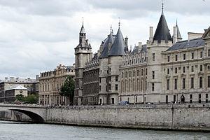 Conciergerie à Paris