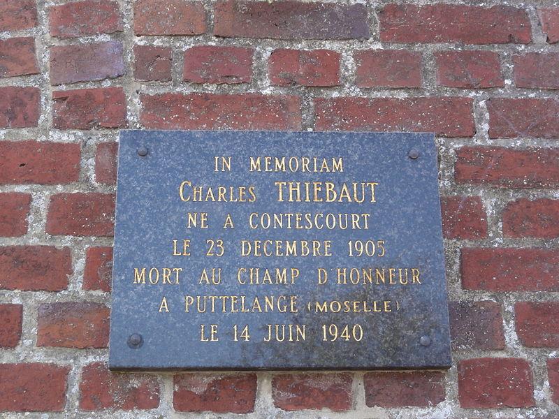 Contescourt (Aisne) plaque mémorial de guerre 1940 sur l'église