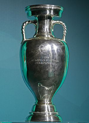 The current trophy Coupe Henri Delaunay 2017.jpg