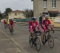 Cyclotouristes à Miribel (avril 2015).jpg
