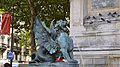 Détail dun des deux dragons cracheurs deau, à la fontaine de la Place Saint-Michel.jpg