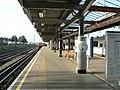 Dagenham Heathway tube station 2005-12-10 01.jpg