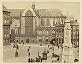 Dam, Nieuwe Kerk en het monument Naatje te Amsterdam, RP-F-F18570.jpg