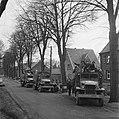 De bevolking van Roermond keert naar huis terug op Amerikaanse legertrucks, Bestanddeelnr 900-2279.jpg