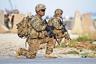 Knee pad - US soldiers wearing knee pads