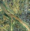 Distributary point to Edo River from the Tone River. Aerial photograph.1990.jpg