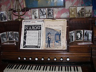 Dolly's House Museum organ closeup.jpg