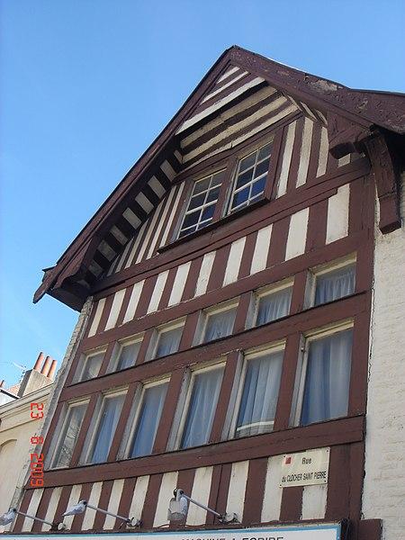 Douai - Maison du Moyen âge à colombages