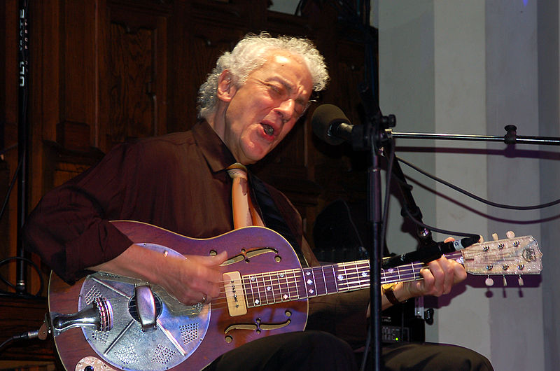 Legendary guitarist Doug MacLeod