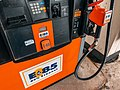 E-85 (85% Ethanol) Gas Station Pump for Flex-Fuel E85 Vehicles (28822296738).jpg